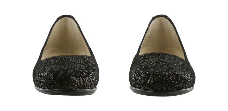 Scenic Black Lace Pair Front View