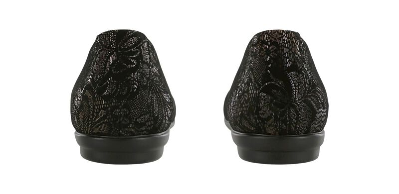 Scenic Black Lace Pair Rear View
