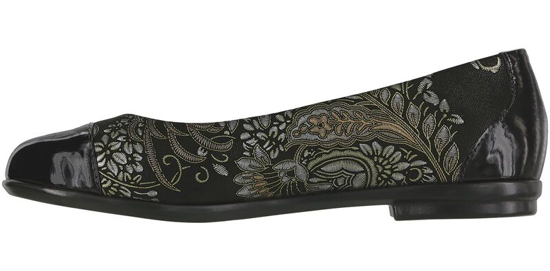 Scenic Brocade-Black Patent Right Side View
