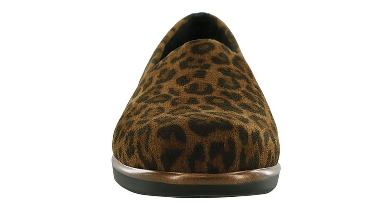 Bliss Tan Leopard Right Front View
