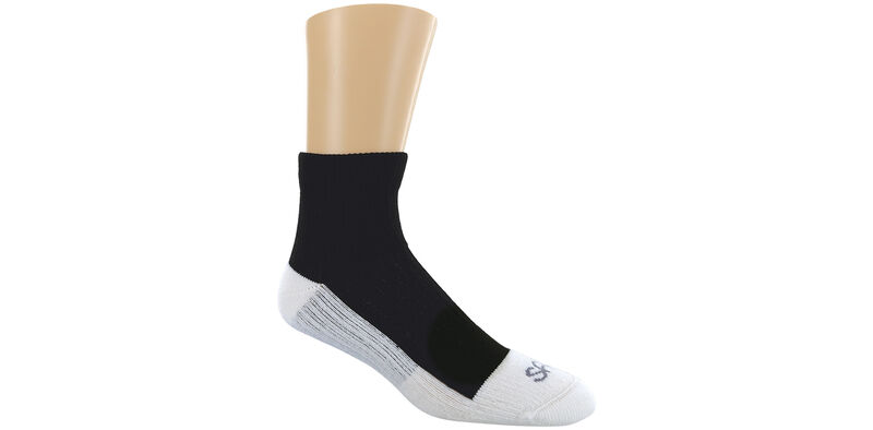Diabetic QTR Crew Large Black Socks Model View