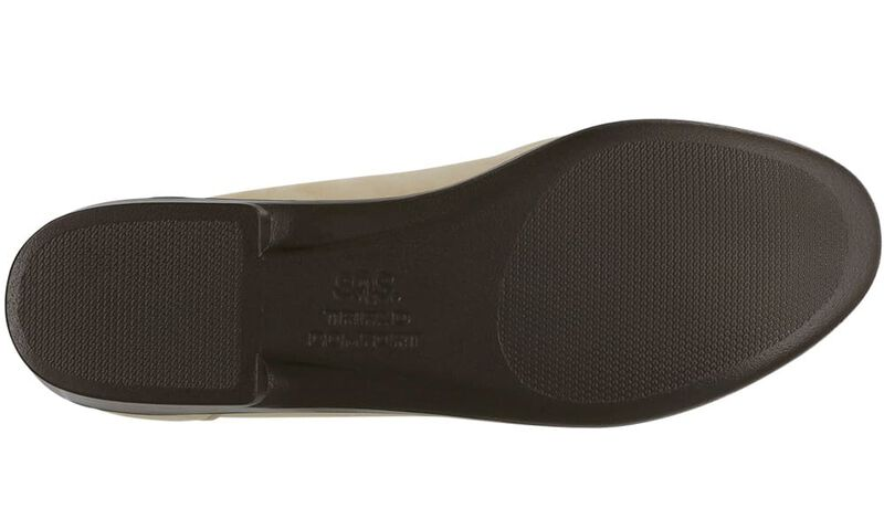 Savvy Linen Left Sole View