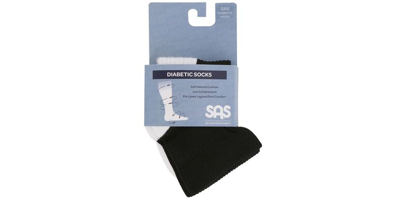 Diabetic QTR Crew Medium Black Socks Front View